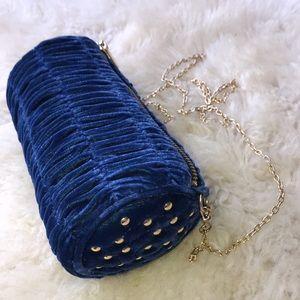Gorgeous Inge Christopher Blue Tufted Velvet Bag